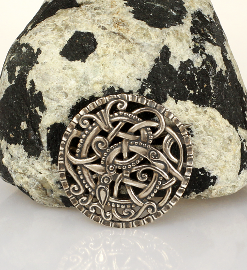 XI century Anglo-Scandinavian brooch made of sterling silver.