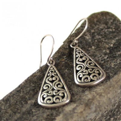 Byzantine drop style earrings