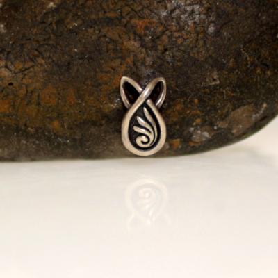Simple silver pendant