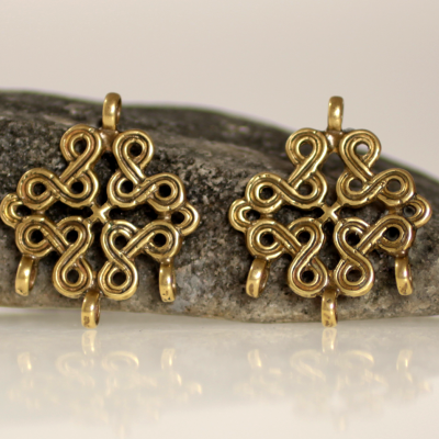 Knotwork turtle brooch hangers